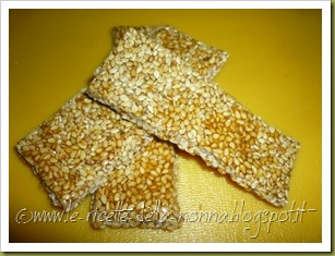 Barrette di semi di sesamo e zucchero di canna (14)