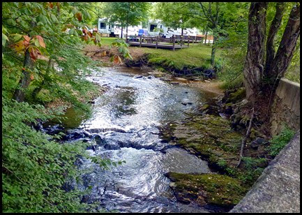 07s - Rivers Edge RV Park, Sites along the Nottely River