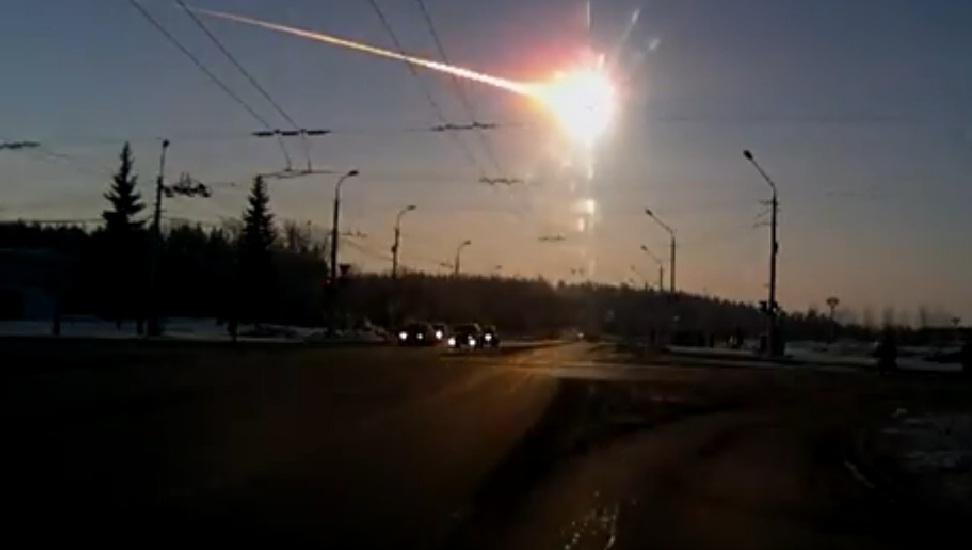 VIDEOS - Pluie de météorites en Russie  dans Environnement pluie+de+m%C3%A9t%C3%A9roites+russie2