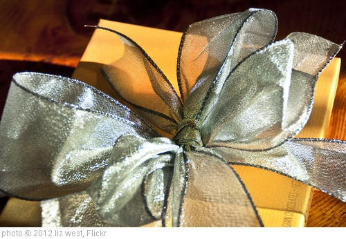 'sweet gift' photo (c) 2012, liz west - license: http://creativecommons.org/licenses/by/2.0/