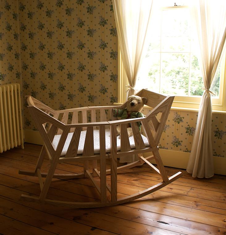 環保嬰兒床從小用到大