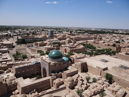 04. Panorama orasului uzbek Khiva.JPG
