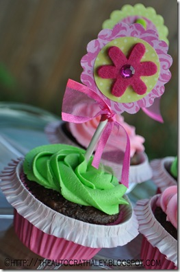 PINK AND GREEN CUPCAKES (4)