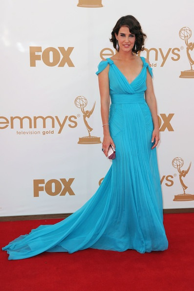 Cobie Smulders arrives at the 63rd Annual Primetime Emmy Awards