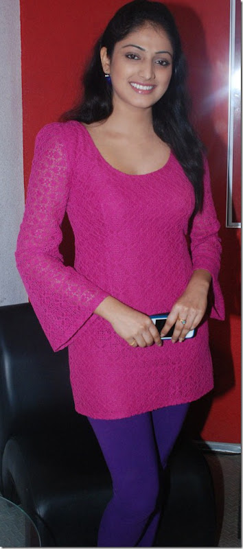 Actress Haripriya at Thulli Ezhunthathu Kadhal Movie Team Interview Stills