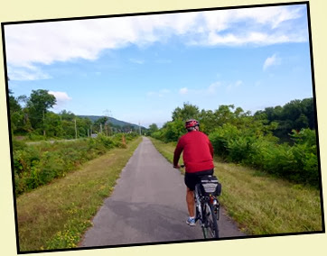 02 - Mohawk River (Erie Canal) Bike Trail heading NW - made left heading NW along the river