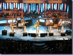 9269 Nashville, Tennessee - Grand Ole Opry radio show - Dierks Bentley & his band