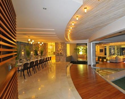 cubierta-iluminacion-comedor-casa-de-lujo