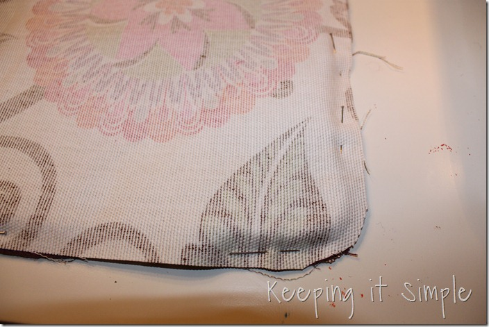 Piping on a pillow (11)