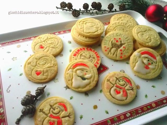 Giallo Zafferano Biscotti Di Natale.Aspettando Il Natale Biscotti Di Frolla Alle Mandorle Giochi Di