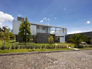 Fachada-moderna-Casa-2V