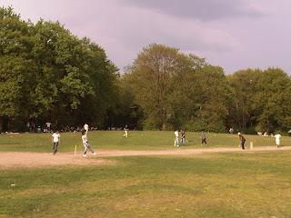 Cricketspieler in der Hasenheide