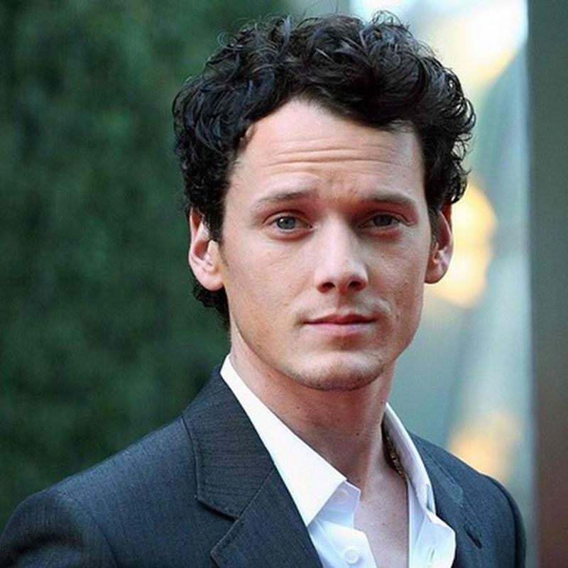"Anton Yelchin Reprises ""Clumsy"" Role in ""The Smurfs 2"""