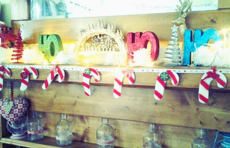 DIY candy cane bunting