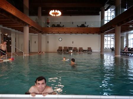 09. Piscina - hotel Sport Poiana Brasov.JPG