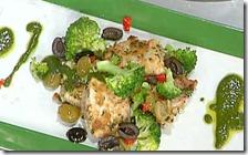 Cubi di spada in crosta di pane alle erbe con broccoli siciliani