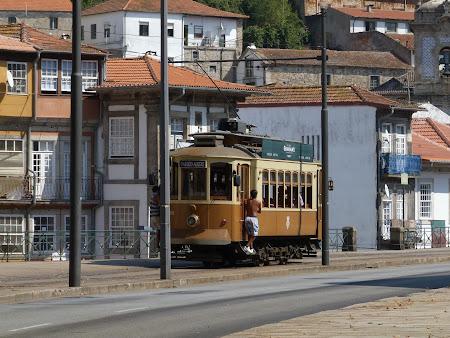 Tramvai clasic in Portugalia