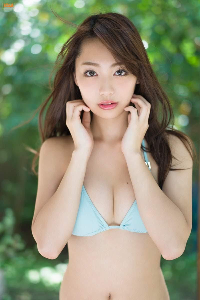 [Bomb.tv] 2017.11 Miura Umi みうらうみ [60P/29MB]