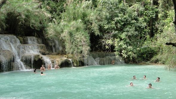 Área para banho em Kuang Si