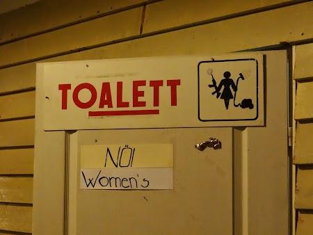 22. Toilet.JPG