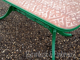 Stencilled & Distressed Coffee Table {by Sawdust & Embryos}
