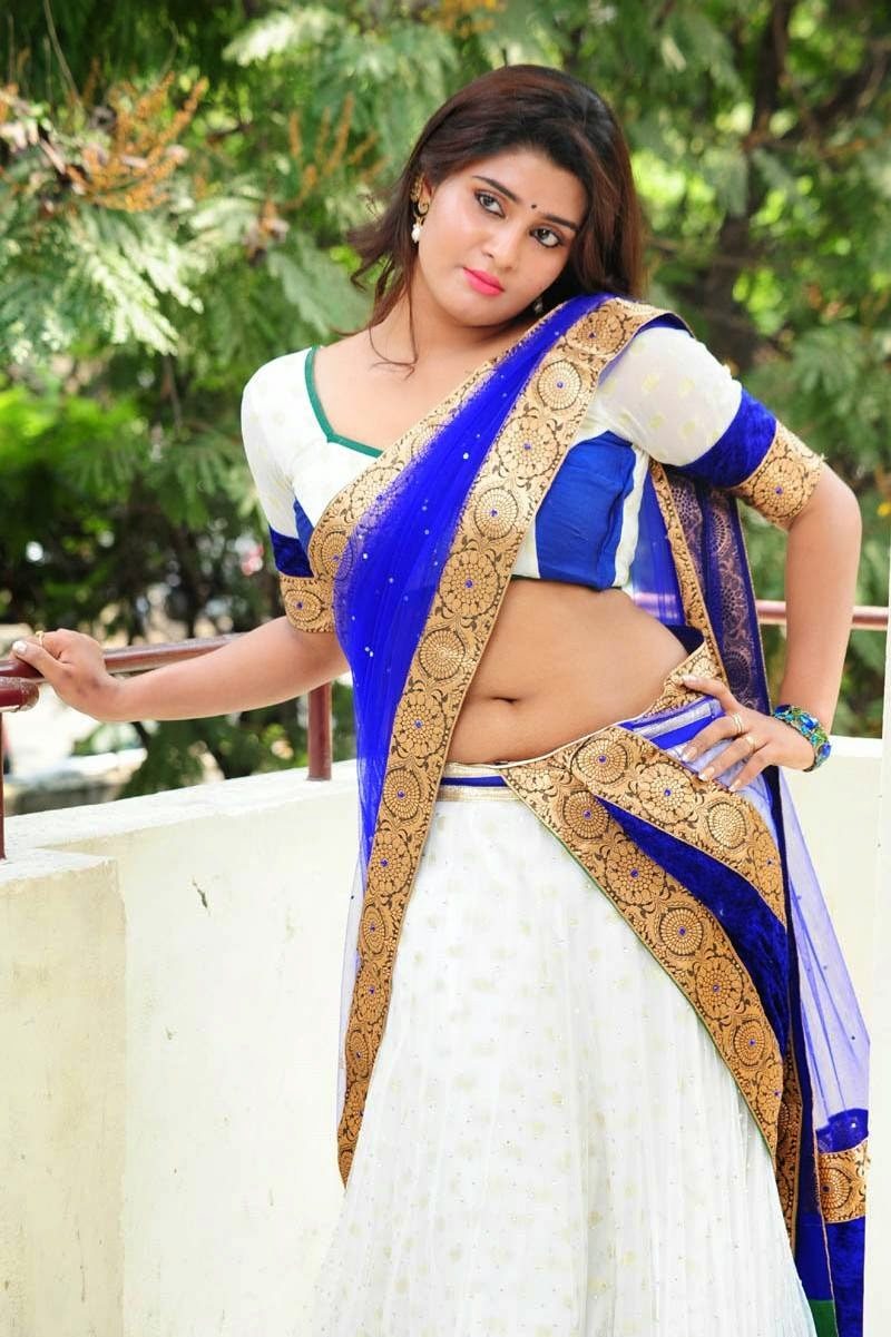 Hot indian girls in sexy saree