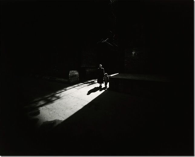 Harry Callahan_Eleanor and Barbara, Chicago_1953