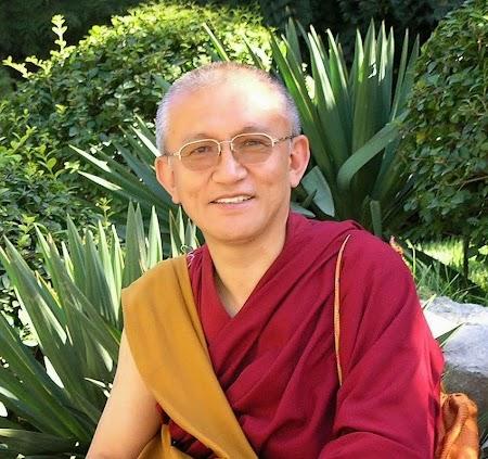 Foto web1 Gonsar Rinpoche.JPG