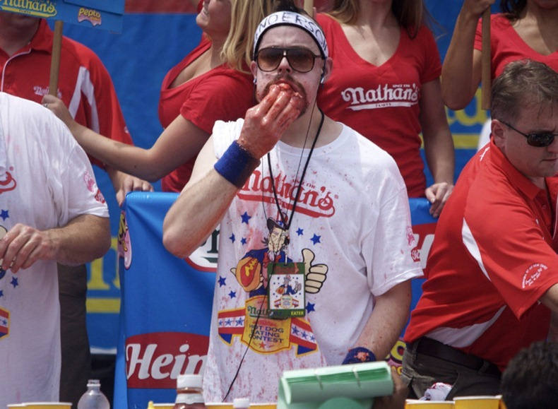 hot-dog-eating-contest6