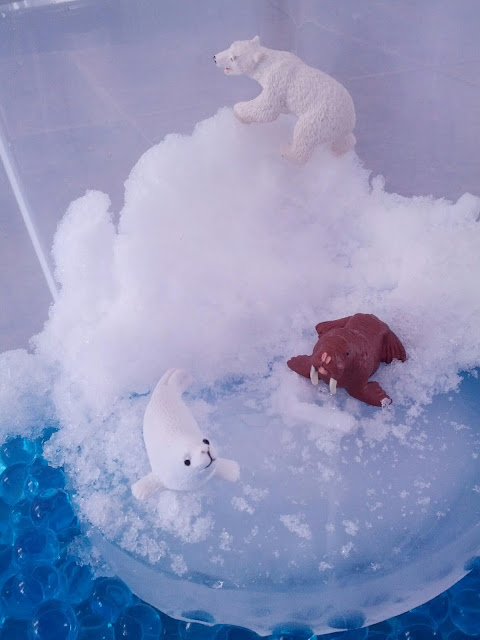 Arctic animals small world play