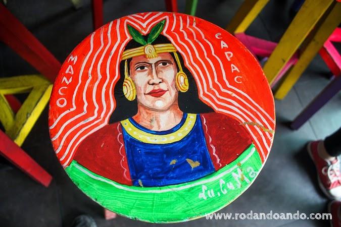 Manco Capac pintado por Lu.Cu.Ma. en una banqueta