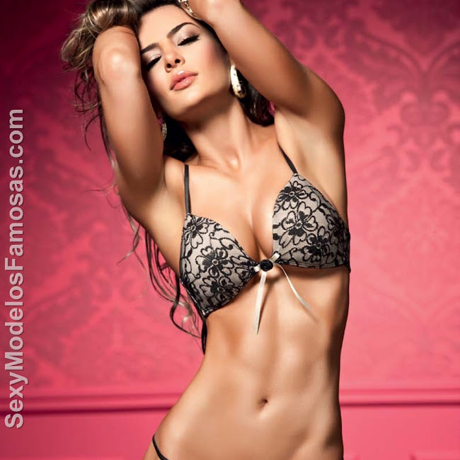 Natalia Velez Sexy Lenceria Besame Foto 8