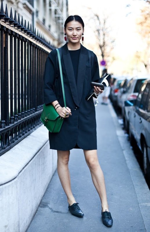 A-LOVE-IS-BLIND-STREET-STYLE-DEEP-V-LAPEL-JACKET-COAT-GREEN-SHOULDER-BAG-SATCHEL-FLAT-OXFORDS-BROGUES