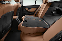 New BMW 3 Series: Rear seat backrest partially folded (10/2011)