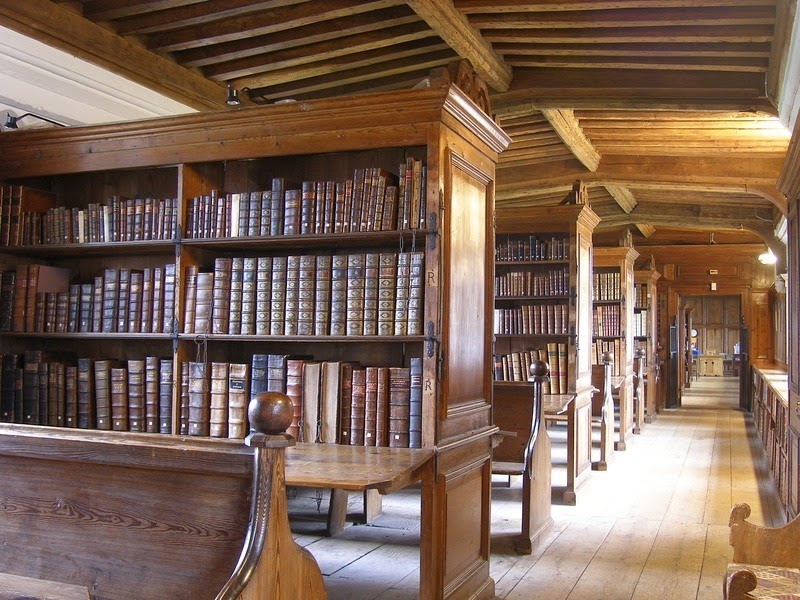 wells-cathedral-chained-library-1