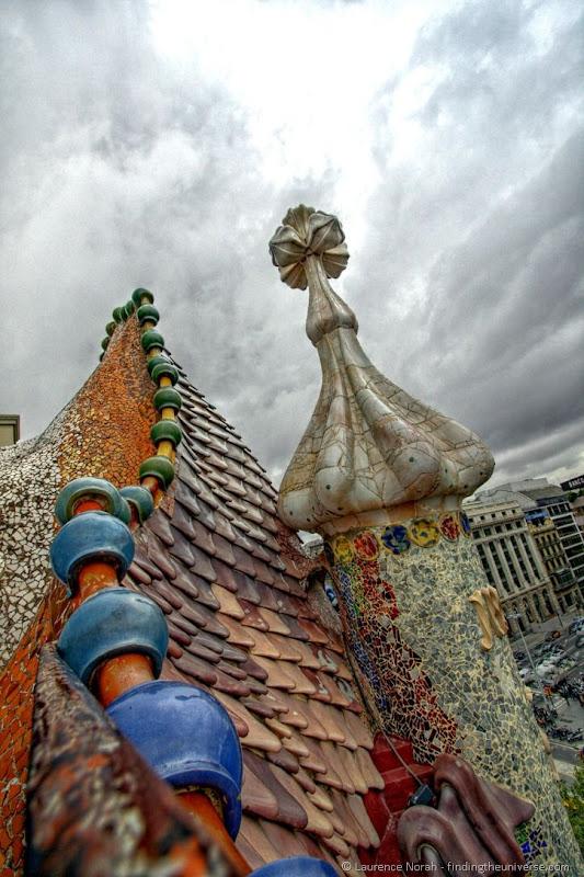 Casa Battlo roof Barcelona Gaudi1.png