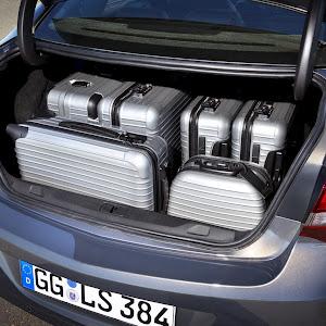 2013-Opel-Astra-Sedan-Official-5.jpg