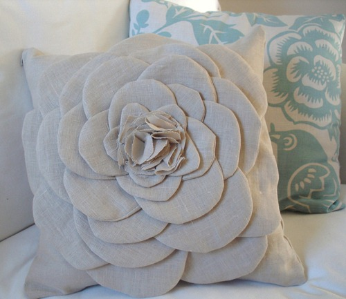 shabby flower pillow tutorial