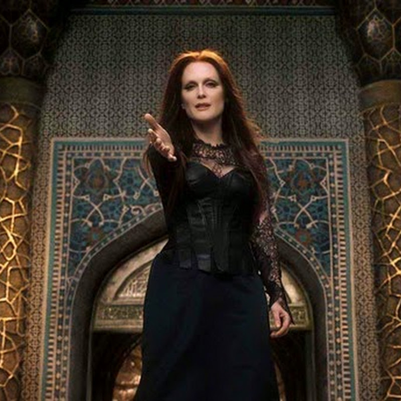 "Julianne Moore, the Dark Sorceress in ""Seventh Son"" (Opens Jan 08)"