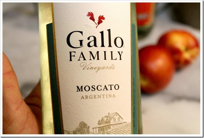 White Moscato And Peach Sangria | Gallo Moscato