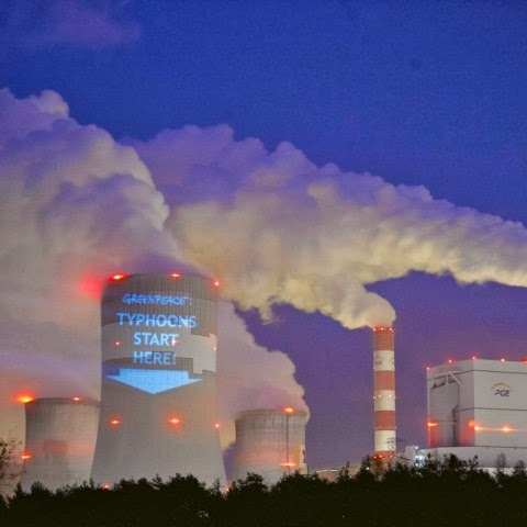 "Energie et developpement - ""typhoons start here"" action de Greenpeace à Belchatow en Pologne"