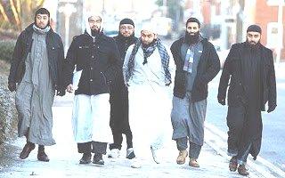 Vrasjet dhe masakrimet e femrave me ligjet islame Muslims_europe