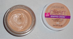 COVERGIRL Clean Whipped Creme Foundation_inside