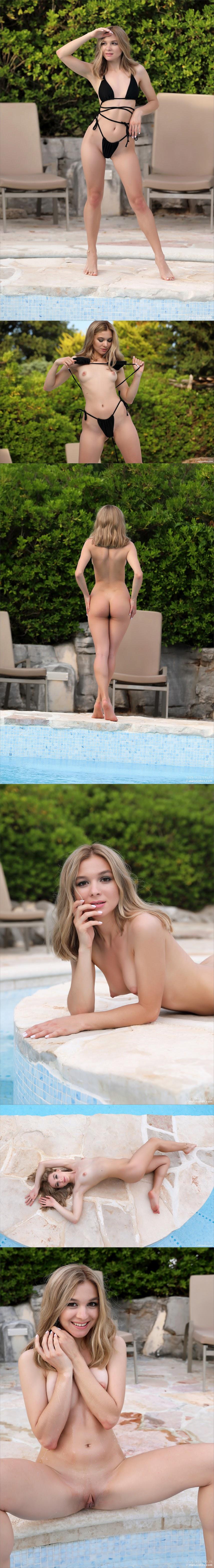 [MPLStudios] Stefani - Swimsuit Fashionista - Girlsdelta