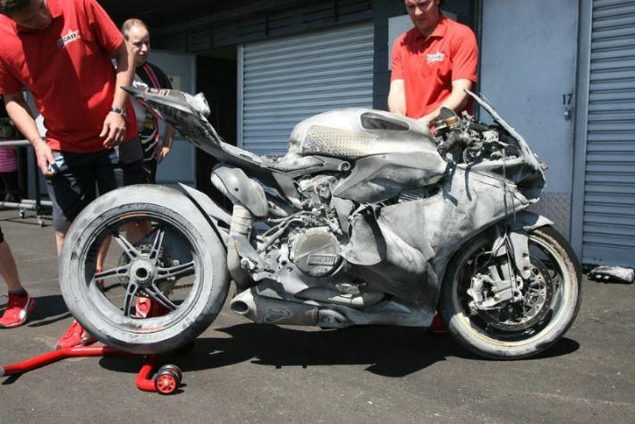 motociclismo-panigale-bruciata2.jpg