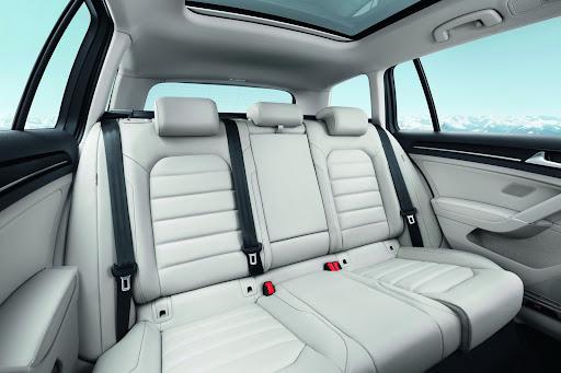 2014-VW-Golf-Variant-19.jpg