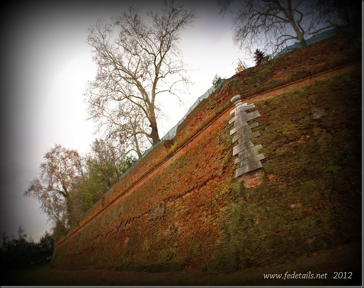 Baluardo della Montagna (Vista 2 ), Ferrara, Emilia Romagna, Italia - Bastion of the Mountain ( View 2 ), Ferrara, Emilia Romagna, Italy - Property and Copyrights of www.fedetails.net