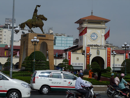 195. piata centrala Saigon.JPG