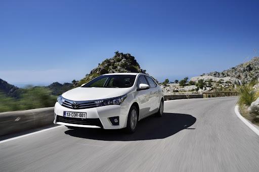 2014-Toyota-Corolla-11.jpg