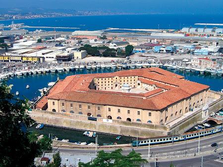 3. Ancona.jpg